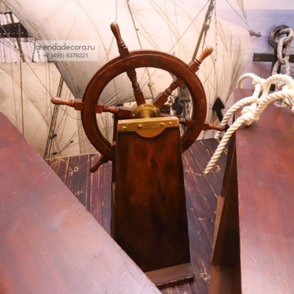 декорация морской штурвал
