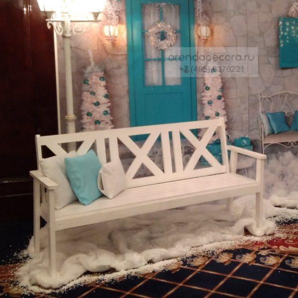 скамейка белая деревянная