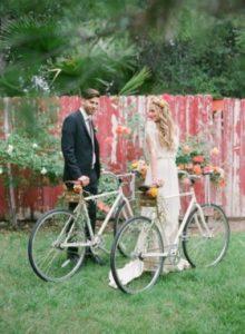 Велосипед в свадебном оформлении