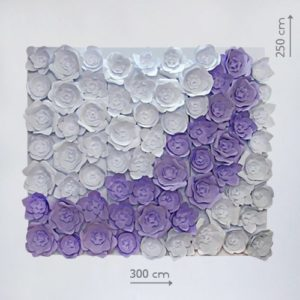 фотозона стена из бумажных цветов