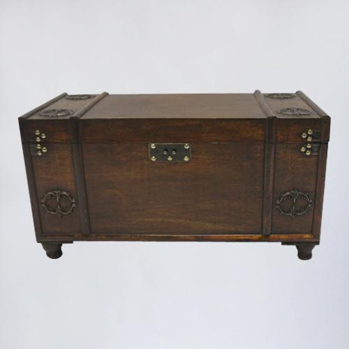 деревянный сундук