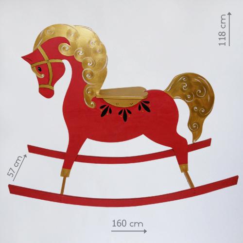 Бутафорская лошадка качалка из дерева