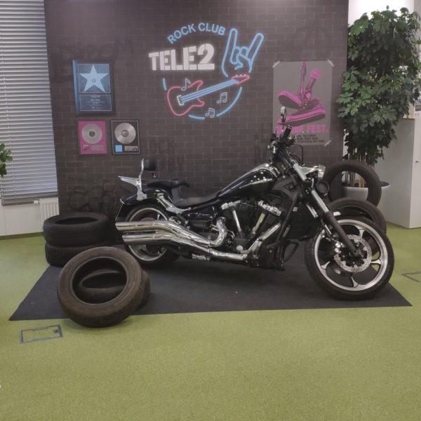 фотозона с мотоциклом