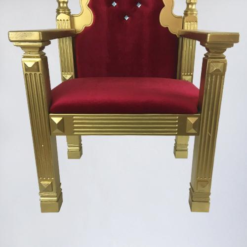 бутафорский трон